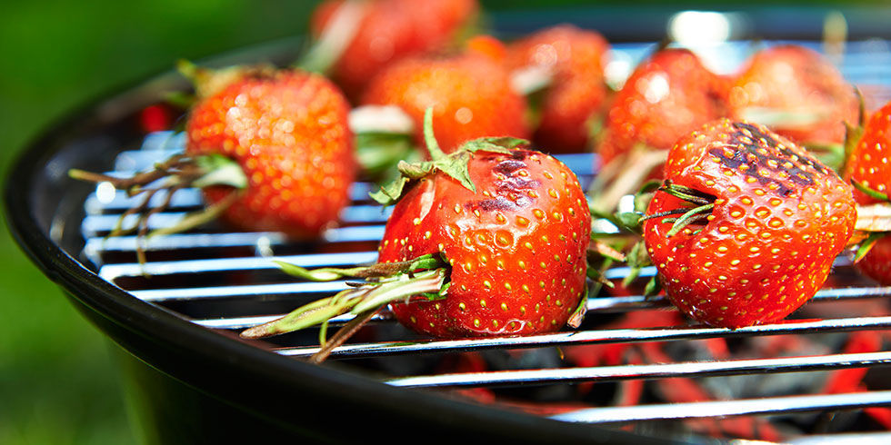 landscape-1435324488-grilled-strawberries